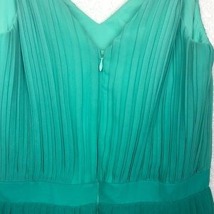 Banana Republic Dresses - Banana Republic Green Pleated Ombre Dress